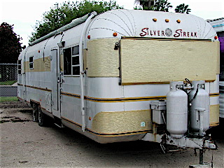 1975 Silver Streak Model 34 w/ rare rear bedroom